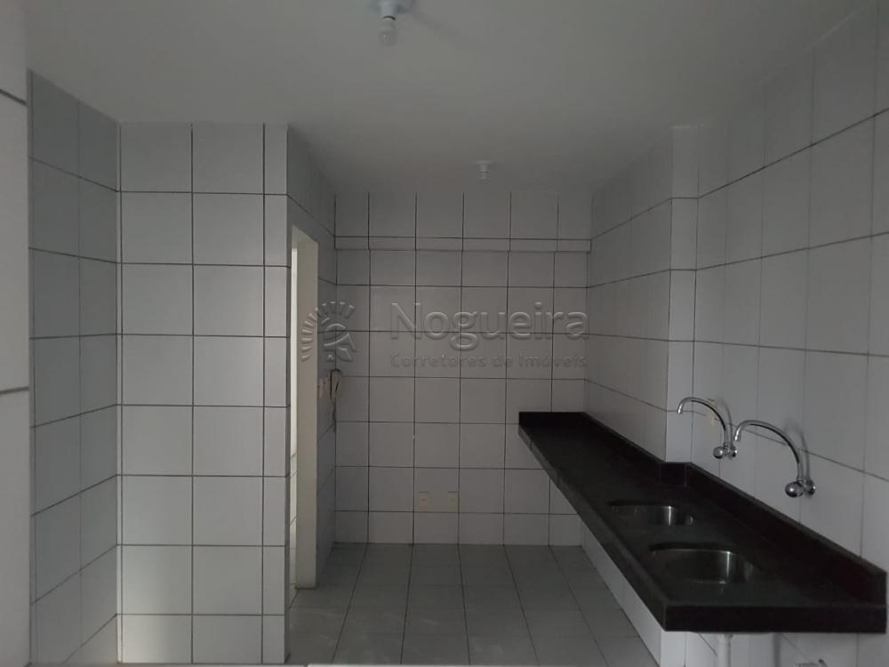 Excelente opções de apartamento em Boa Viagem, com varanda, sala para 2 ambientes, 3 quartos sendo 2 suítes, banheiro social, cozinha, área de serviço e dce.