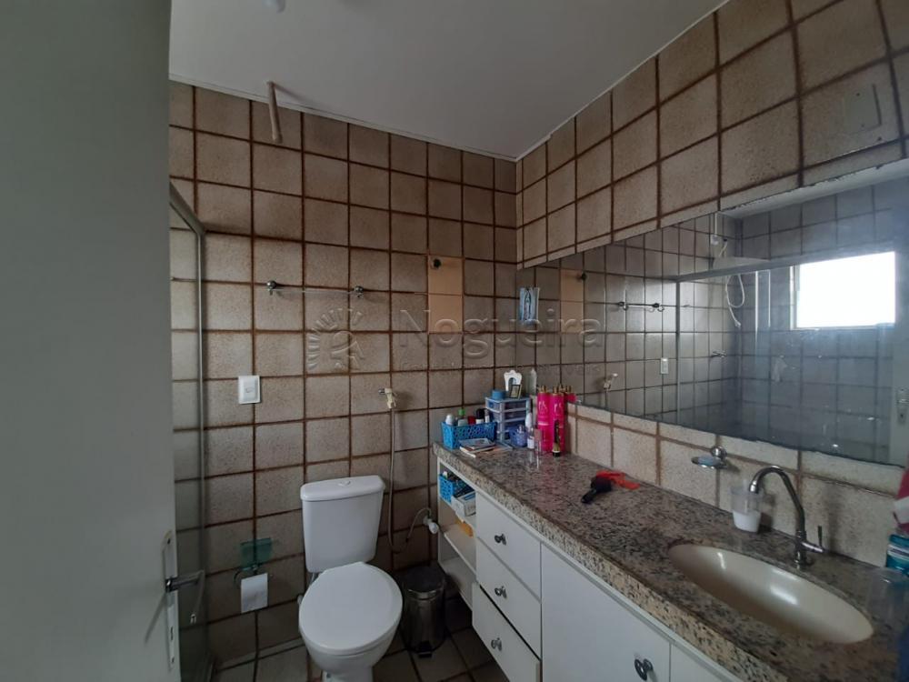 Apartamento Duplex na Imbiribeira com 140,75m² 1º Piso dispõe de Sala, cozinha, lavabo, varanda, área de serviço e DCE completa. 2º Piso dispõe de 3 quartos sendo 1 suíte, 1 banheiro social, escritório e 1 sala. Cobertura com churrasqueira.  Agende sua visita!