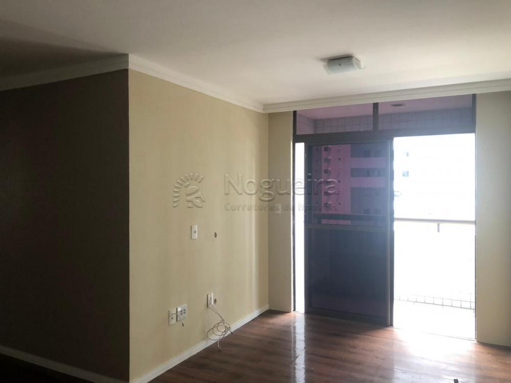 Excelente apartamento no bairro do Pina, vizinho ao Shopping Rio Mar, com sala para 2 ambientes, varanda, 3 quartos sendo 1 suíte, banheiro social, cozinha e área de serviço Imóvel com móveis planejados e situado em ótima localização.