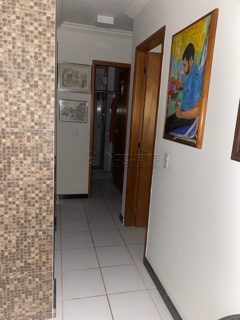 Apartamento localizado no bairro de Casa Amarela.  O imóvel possui 74,08m², sala para 2 ambientes, três quartos, sendo uma suíte, banheiro social, varanda, duas vagas na garagem.  Empreendimento dispõe de piscina, espaço Kids e salão de festas, bicicletário, gás encanado, medidor de água individual.  Agende sua visita!