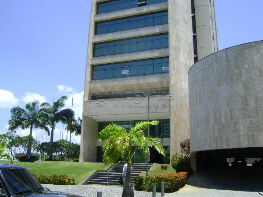 Excelente sala comercial com ar condicionado em empresarial super bem localizado no bairro de Boa Viagem. O empresarial center III, situado ao lado do shopping recife.