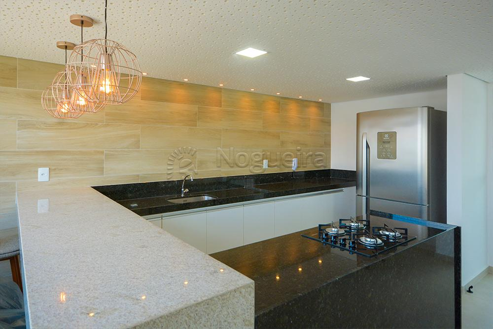 Excelente apartamento no bairro dos afllitos, com armários e ar- condicionado. O imóvel possui 33 m²,  sala, 1 quarto, cozinha e banheiro.   O edifício tem piscina, salão de festas, sala de musculação e ginástica, central de gás e vaga de garagem.