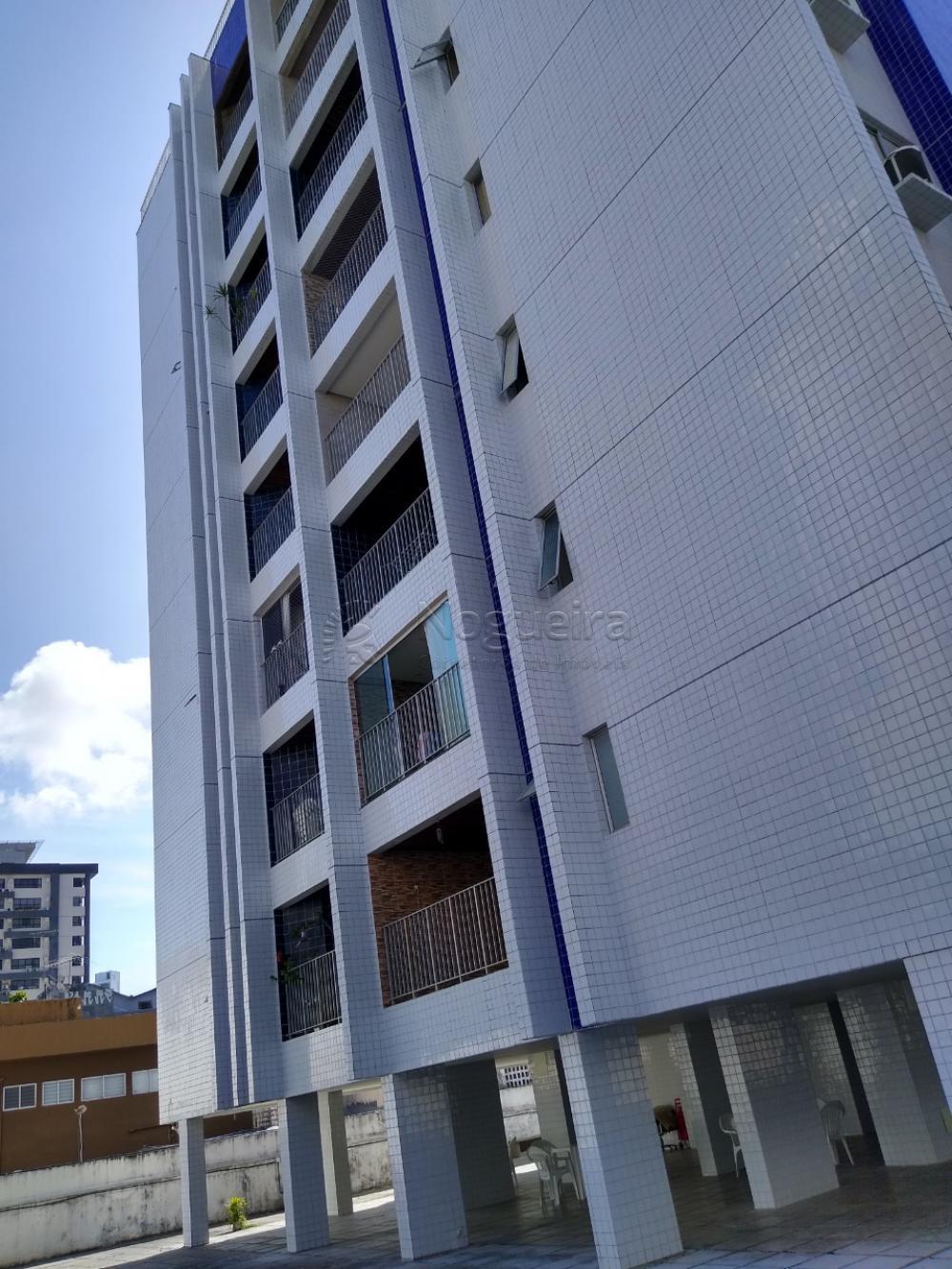 Apartamento com excelente localização em boa viagem, na domingos ferreira.  O apartamento possui 145m², 3 quartos sendo 2 suítes, sala para dois ambientes, armários, área de serviço, dormitório de serviço.  O edf possui câmeras de segurança, portaria, bicicletário.  Agende sua visita!