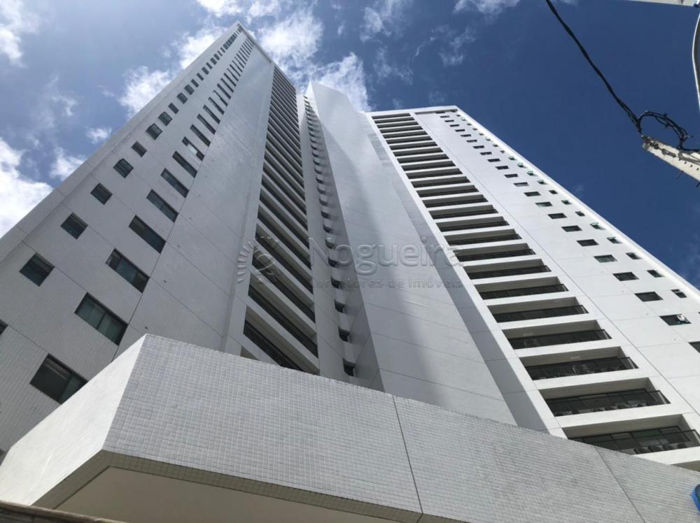 Excelente flat no Beach Class Santa Maria,  Padrão Moura Dubeux.  Imóvel com 34 m², mobiliado, quarto, sala, varanda, cozinha completa,  área de serviço e uma vaga de garagem rotativa.  Agende sua visita!