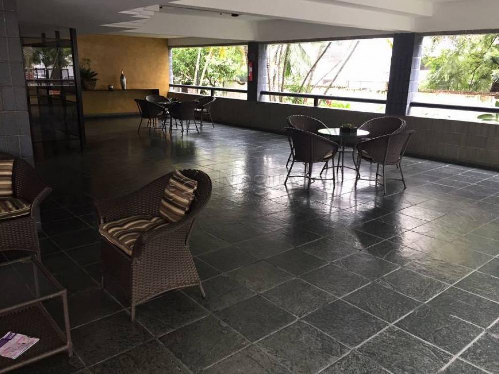 Apartamento com excelente localização no Rosarinho, próximo a Casa Rosada.  O imóvel possui 175m², varanda, sala para três ambientes, quatro quartos sendo uma suíte, wc social, cozinha ampla, despensa na cozinha, área de serviço, quarto de serviço e wc de serviço e duas vagas de garagem soltas e livres.  O edf possui salão de festas com capacidade para 250 pessoas, sala fitness, área de cooper em volta do prédio, recepção ampla.  O condomínio conta também com portaria 24hrs.  Agende sua visita!