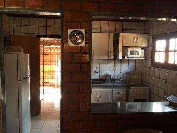 Excelente Casa no Condomínio Ares da Serra II. Casa com 3 quartos sendo 2 suítes, totalmente nascente e com 3 vagas de garagem. Condomínio com Área de lazer e boa localização, agende sua visita.