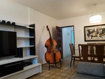 Excelente apartamento no térreo,  com três quartos sendo um suite, sala para dois ambientes, nascente, uma vaga de garage. Tem parada de ônibus na calçada, próximo de lotérica, farmácias, padaria, estação de metro. Agende sua visita!