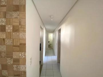 Apartamento com ótima localização na Encruzilhada, com Sala para 2 ambientes, 3 quartos sendo 1 suíte, cozinha, varanda e área de serviço. O edifício possui, salão de festas, salão de jogos, playground, churrasqueira, quadra poliesportiva e 1 vaga de garagem coberta. Agende já sua visita!