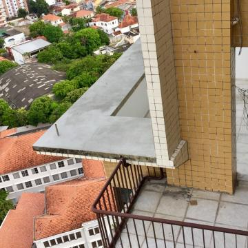 Excelente e ampla cobertura duplex no bairro da Boa Vista! O imóvel possui uma vista panorâmica da cidade, com 2 varandas, sala para 4 ambientes, 5 quartos sendo 2 suítes,  2 banheiros sociais, cozinha, área de serviço e DCE.