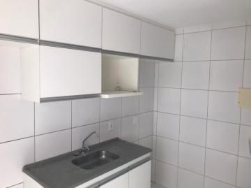 Excelente apartamento localizado no condomínio Vila Bragança.  O apartamento possui 47m², com sala para dois ambientes, dois quartos, wc social, cozinha, uma vaga de garagem.  O empreendimento possui churrasqueira, playground, salão de festas, piscina.  Agende sua visita!