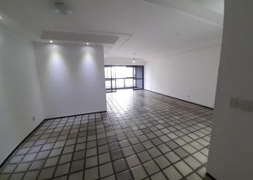Apartamento com excelente localização no Rosarinho, próximo a Casa Rosada.  O imóvel possui 175m², varanda, sala para três ambientes, três quartos sendo uma suíte, wc social, cozinha ampla, despensa na cozinha, área de serviço, quarto de serviço e wc de serviço e duas vagas de garagem soltas e livres.  O edf possui salão de festas com capacidade para 250 pessoas, sala fitness, área de cooper em volta do prédio, recepção ampla.  O condomínio conta também com portaria 24hrs.  Agende sua visita!