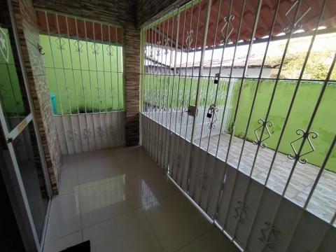 Apartamento com excelente localização na Imbiribeira próximo a Faculdade Pernambucana de Saúde (FPS).  O apartamento possui 84,66m², sala para dois ambientes, dois quartos, cozinha área de serviço, wc de serviço e dormitório de serviço, uma vaga de garagem.  Agende Sua Visita!