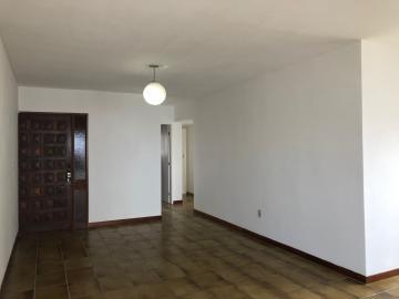 Apartamento com excelente localização em Piedade.   O imóvel possui 177,96m², varanda, sala para dois ambientes, três quartos sendo um suíte, cozinha, área de serviço, wc e dormitório de serviço, uma vaga de garagem.  Agende sua visita!