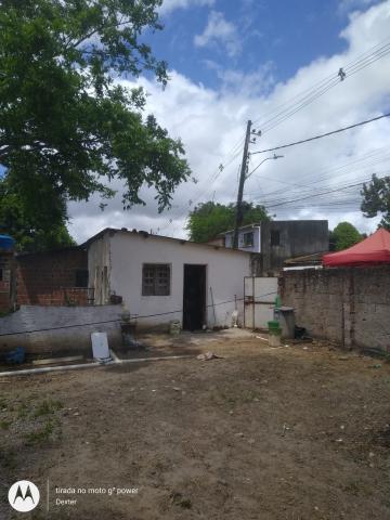 Terreno com excelente localização em Guabiraba, ao lado da fábrica Brasilkirin antiha Schin.  O terreno dispõe de uma casa de 39m² que possui sala de estar, cozinha, um quarto e um wc.  O terreno tem área de 58 x 33,65 m²  Agende sua visita, oportunidade de investimento.